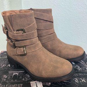 Shoe dazzle Coralina woman's moto boots 💜